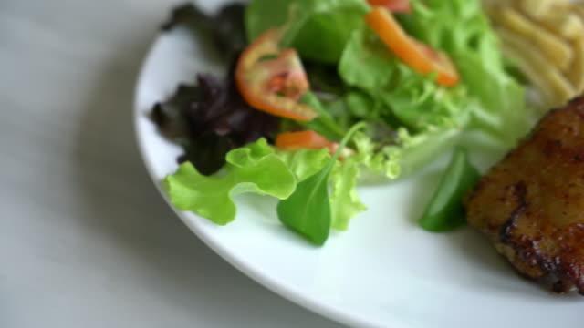 grilled chicken steak with vegetable salad video
