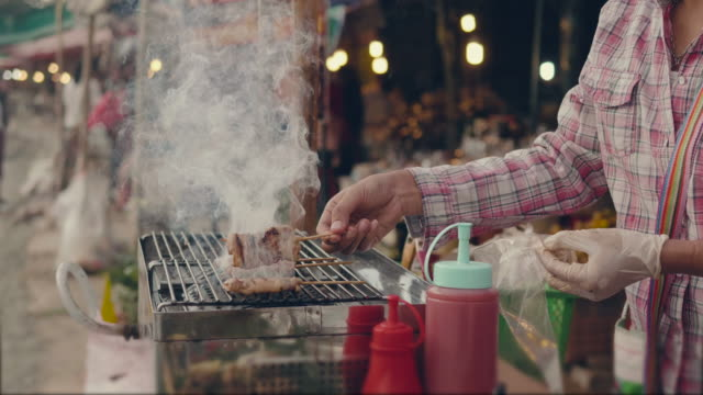 stockvideo's en b-roll-footage met gegrilde voedsel - thai food