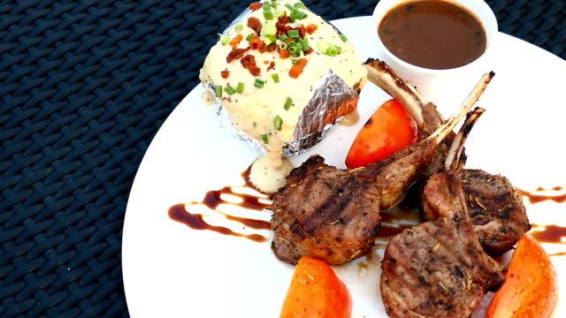 Grilled lamb chop video