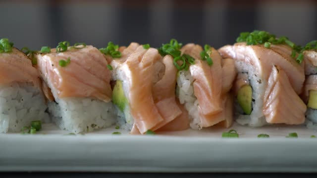 grilled salmon sushi roll video