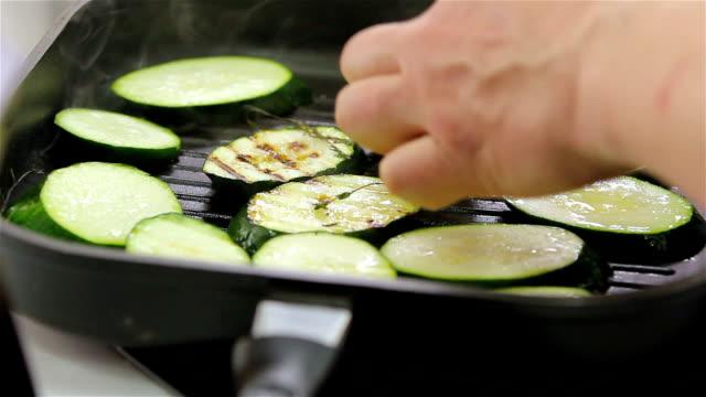 Grilled zucchini video