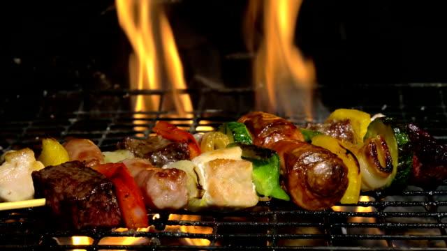 grilling meat skewers video