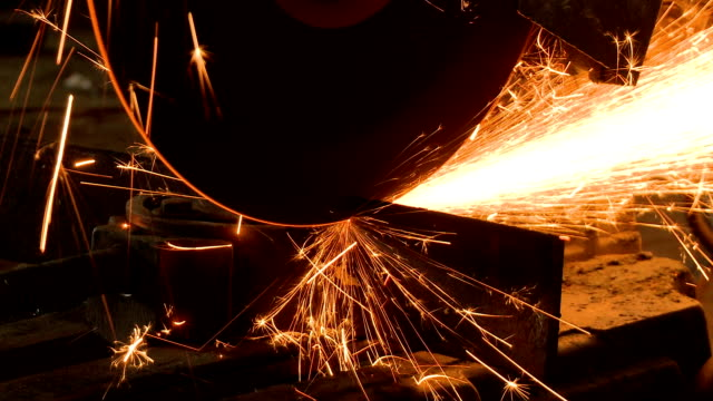 Grinder Cutting steel video