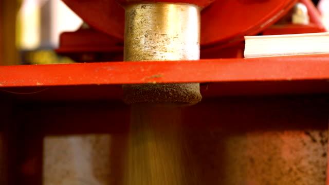 vídeos y material grabado en eventos de stock de grindig pimienta - cayena guindilla roja