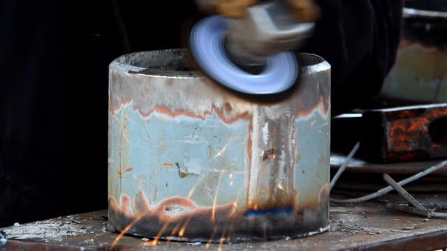 HD: Grinding Steel video