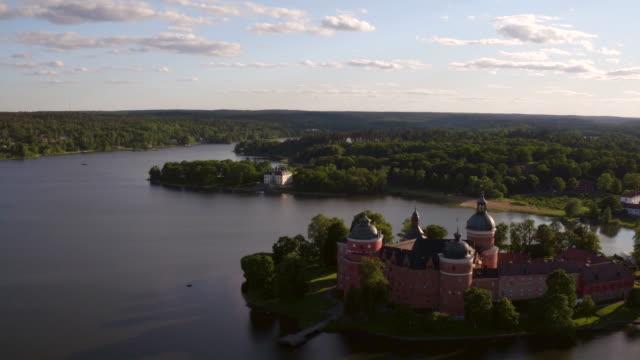 antenn: gripsholms slott, mariefred - summer sweden bildbanksvideor och videomaterial från bakom kulisserna