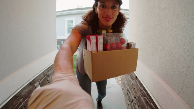 grocery delivery person - fish eye video stock e b–roll