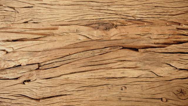 溝付き古い木製テーブル表面 - 木目点の映像素材/bロール