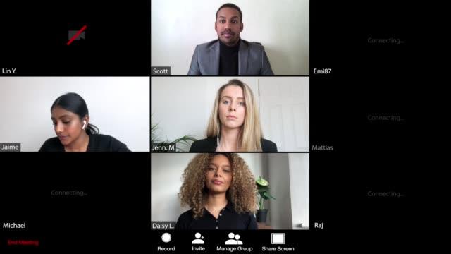 vídeos y material grabado en eventos de stock de grupo de persona de negocios que se une a una reunión a través de webcam - zoom meeting