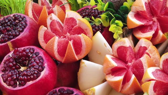 vídeos de stock e filmes b-roll de group of fruits - romã