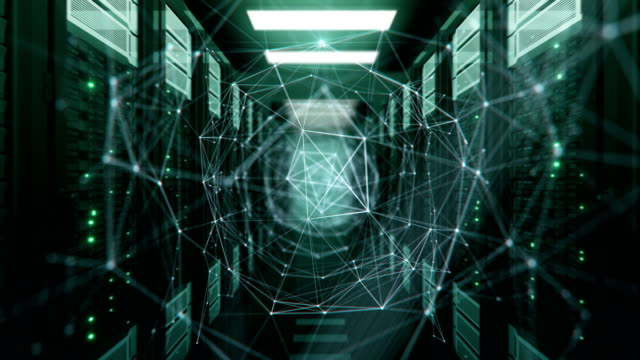 Wachsende Netzwerk Verbindungen Cyberspace Digital Tunnel mit helle Lichtblitze in modernen Datacenter Server Racks-Raum. 3d Animation geloopt. Futuristische Digitaltechnik Konzept. – Video