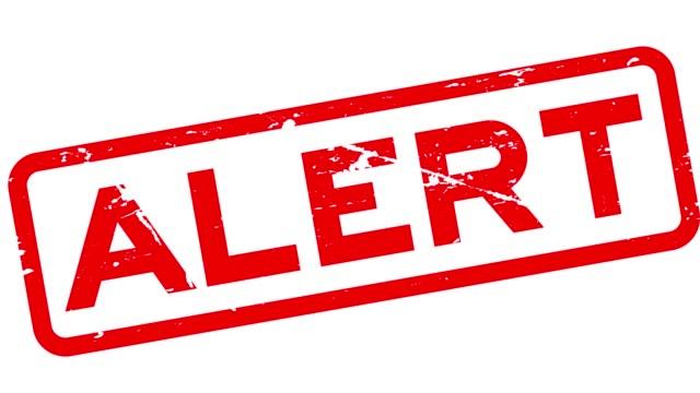 grunge rot alarm quadrat gummi siegel stempel auf weißem hintergrund - wachsamkeit stock-videos und b-roll-filmmaterial