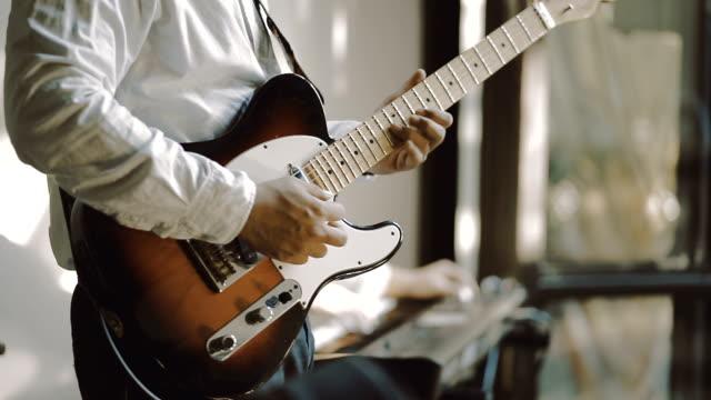guitar player - gitarrist bildbanksvideor och videomaterial från bakom kulisserna