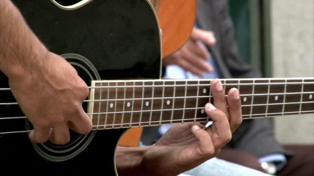 guitar players - gitarrist bildbanksvideor och videomaterial från bakom kulisserna