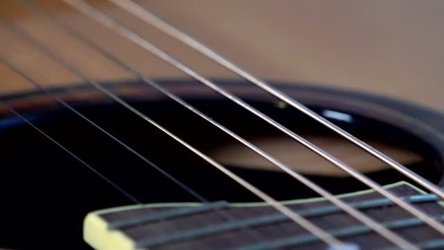 vídeos y material grabado en eventos de stock de estudio de guitarra tiro - cuerda
