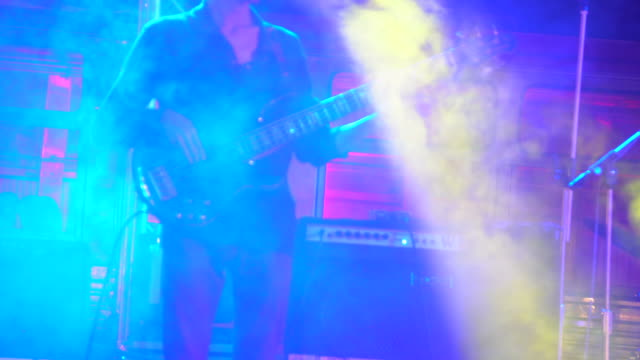 guitarist playing guitar close up - cantante video stock e b–roll
