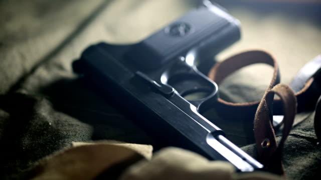 vidéos et rushes de cartouche et étui - armement