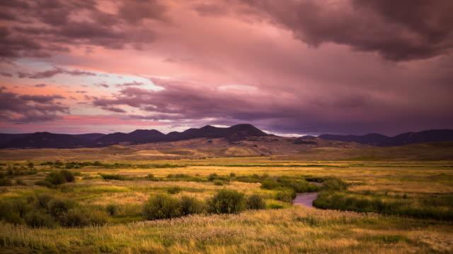 gunnison river sunset - time lapse - równina filmów i materiałów b-roll