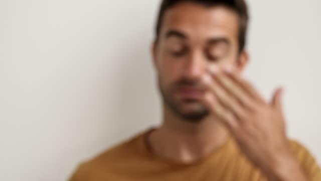 Guy improving eyesight