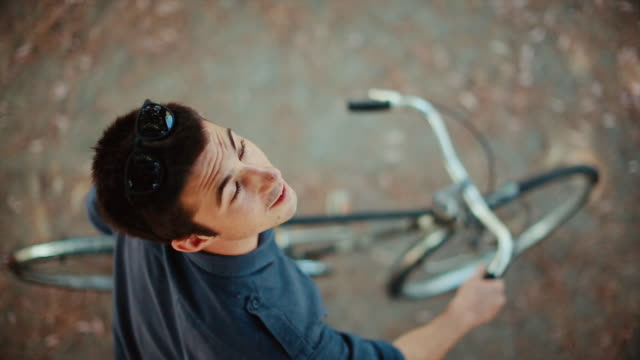 Guy on the bicycle video portrait