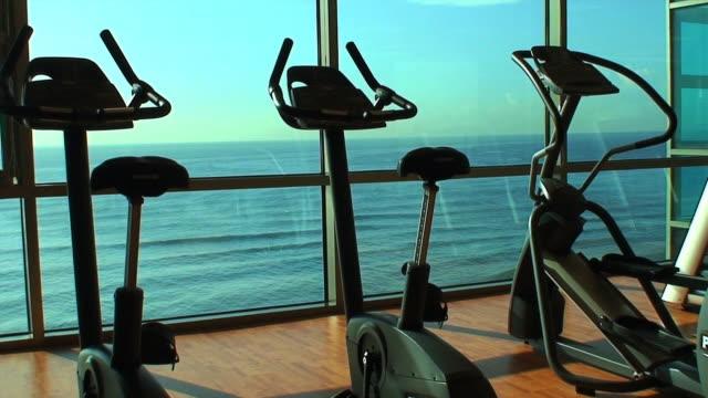 운동시설 유클리드의 해양수 hd - 운동장비 스톡 비디오 및 b-롤 화면