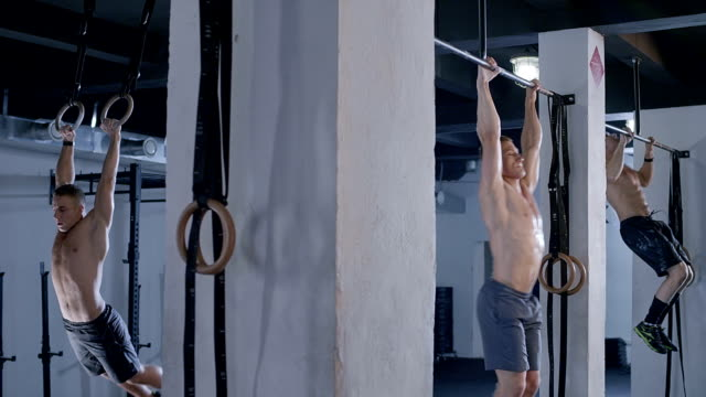 gym pull up bar video