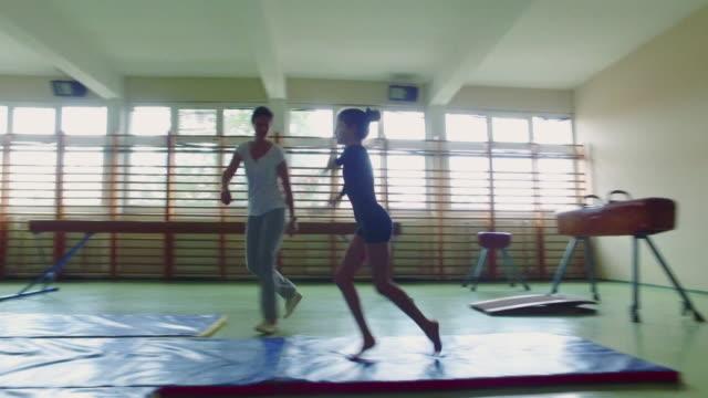 4 K : Gymnastique. - Vidéo