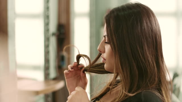 ヘア&ビューティー - 美容室のビデオ点の映像素材/bロール