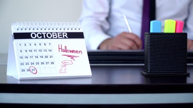 halloween - special dag - calendar workout bildbanksvideor och videomaterial från bakom kulisserna