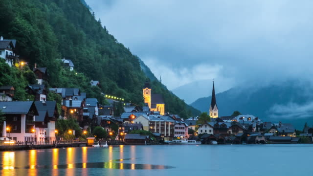 hallstatt bergsby liggande berömda vy - videor med salzburg bildbanksvideor och videomaterial från bakom kulisserna