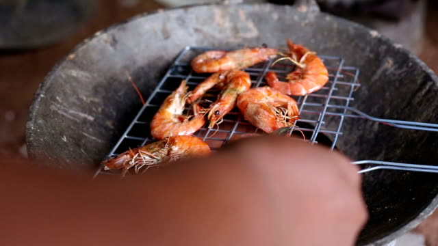 Hand grilled shrimp on the stove video