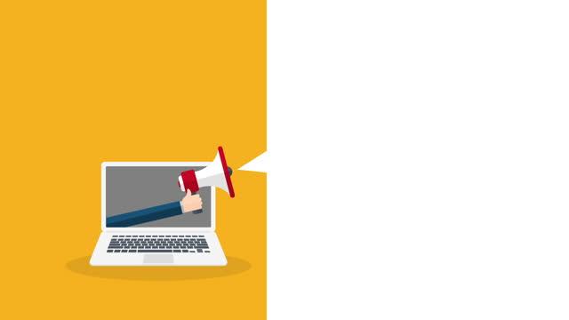 stockvideo's en b-roll-footage met hand die megafoon houdt. laptop notebook computerscherm en spraakbel. animatie. - aankondigingsbericht