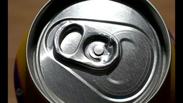 Hand Opening Aluminum Can video