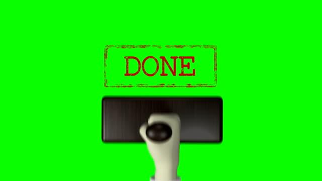 """3d 손 고무 스탬프 """"완료"""" 녹색 화면 4k 해상도 - stamp 스톡 비디오 및 b-롤 화면"""