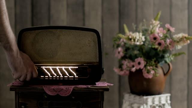 el aparat retro fm radyo - dekor stok videoları ve detay görüntü çekimi