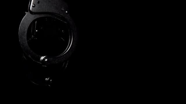 handfängsel - hänga bildbanksvideor och videomaterial från bakom kulisserna