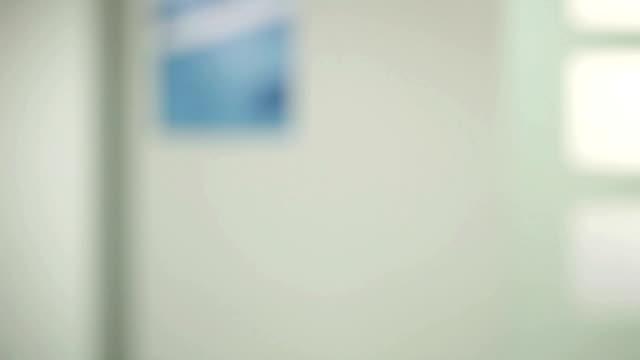 시계바늘 키별 - home 스톡 비디오 및 b-롤 화면