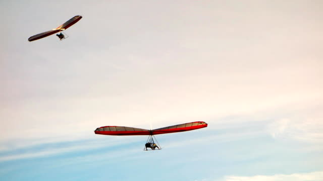 Best Hang Glider Stock Videos and Royalty-Free Footage - iStock