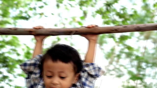 ็hanging child - balettstång bildbanksvideor och videomaterial från bakom kulisserna