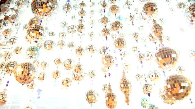 hängende dekorationen - bling bling stock-videos und b-roll-filmmaterial