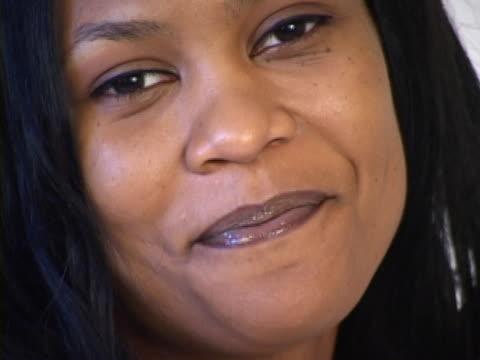 happy business woman  - weibliche angestellte stock-videos und b-roll-filmmaterial