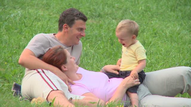 HD DOLLY: Happy Family video