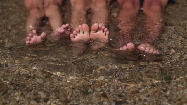 felice piedi - dito del piede video stock e b–roll