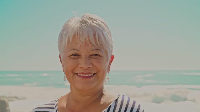 幸せな引退は前向きな姿勢から始まる - disruptagingcollection点の映像素材/bロール