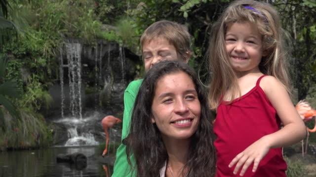 Feliz madre con hijos única - vídeo