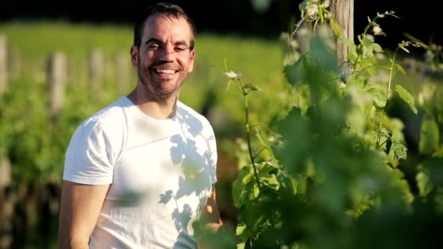 Happy Winegrower portrait video