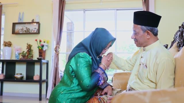 vídeos y material grabado en eventos de stock de hari raya puasa en malasia - eid mubarak