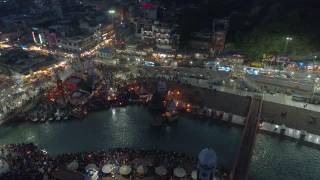 haridwar city looking more beautiful at night.lightning at the city making haridwar a shining city. uttarakhand, india. haridwar city lights at night. - ghat filmów i materiałów b-roll