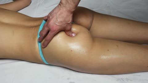 stockvideo's en b-roll-footage met hd:anti cellulite massage - alleen volwassenen