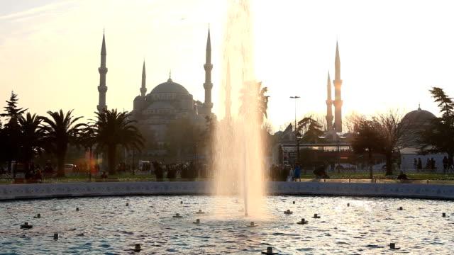 vídeos de stock, filmes e b-roll de hd: a mesquita azul, istambul, turquia - característica arquitetônica